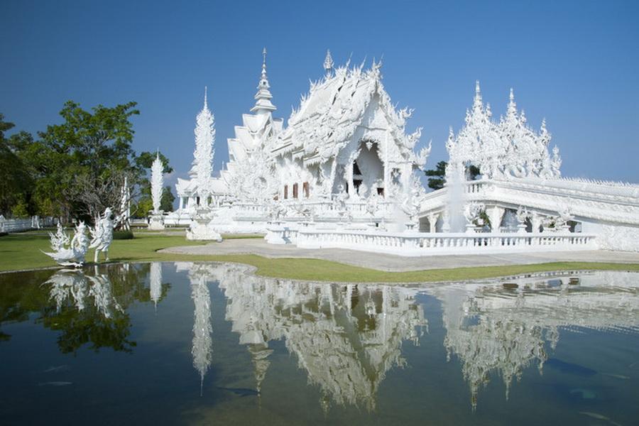 a-thailande-chiang-rai-temple-blanc-wat-rong-khun-1-go