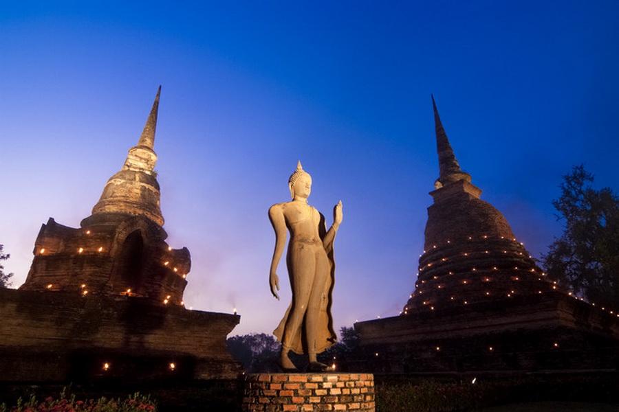 a-thailande-sukhothai-wat-sa-si-1-go