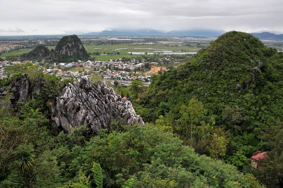 a-vietnam-danang-montagne-de-marbre-1-go