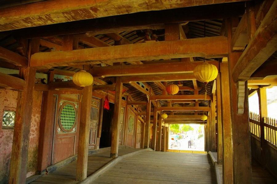 a-vietnam-hoi-an-pont-japonais-interieur-go