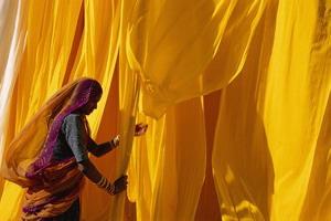 Saris et saddhus - Inde, Rajasthan, Gange