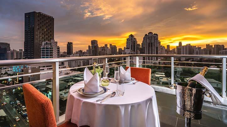 akyra bangkok restaurant vue