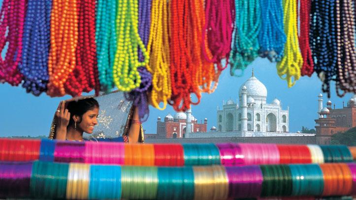 Collier de couleur et Taj Mahal