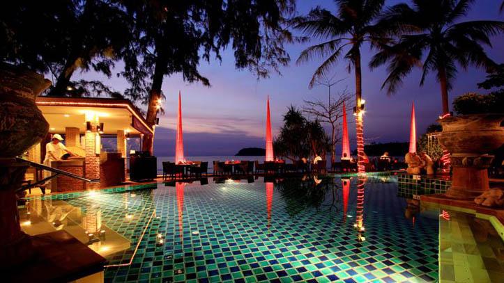 coucher de soleil piscine