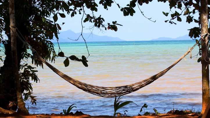 Un moment de détente garanti : Hamac, plage paisible, nature, calme....
