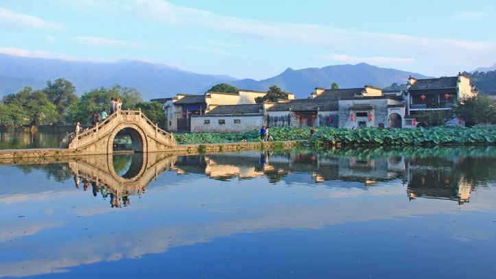 hongcun village hweichow chine