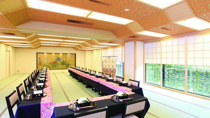Salle de banquet du ryokan Matsui Honkan
