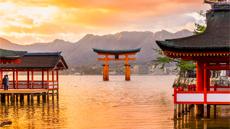 Miyajima-Coucher-soleil-torii