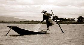 Un pêcheur typique du Lac Inle