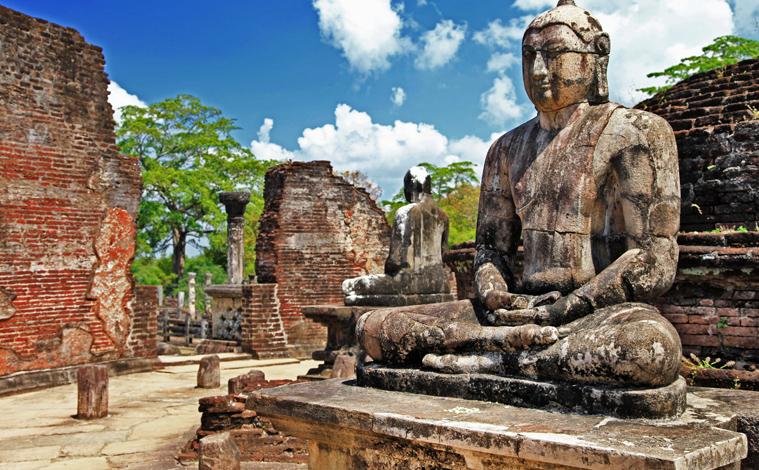 Sri-lanka-Polonnaruwa-temple-slide
