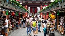 Rue Nakamisedori du quartier Asakusa de Tokyo