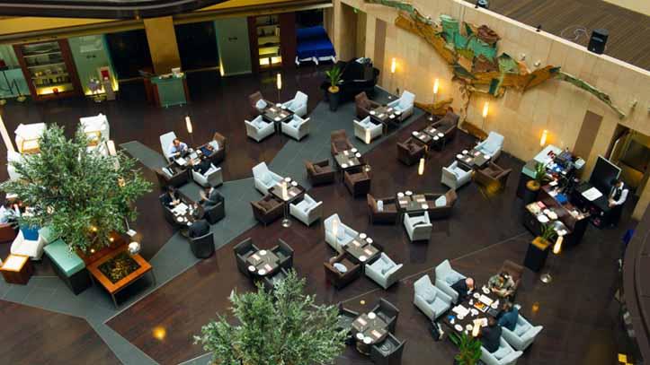 Lobby du Park Hotel 4* à Tokyo