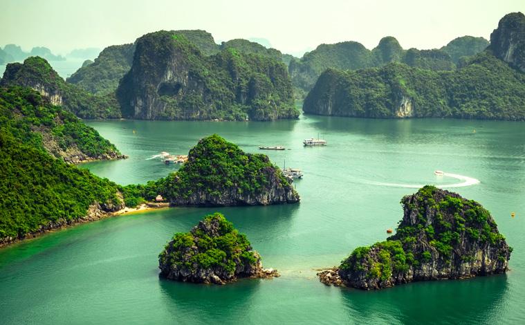 Vietnam-Baie-Halong-slide