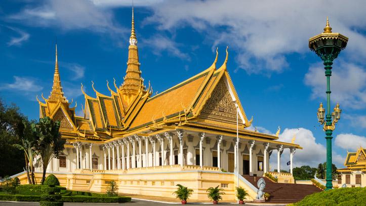 Le Wat Peah Keo, aussi appelé la Pagode d'Argent, au Palais Royal, à Phnom Penh