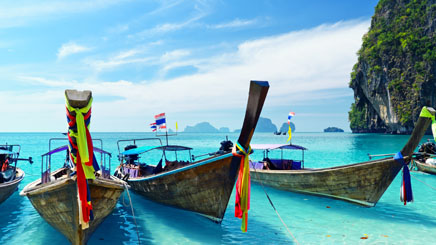 barque-bord-de-plage-phuket