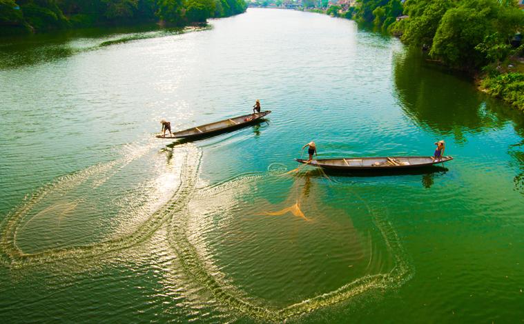 bateau-riviere-hue-vietnam