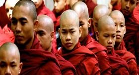 Moines Birmanie