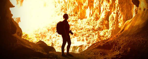 Exploration des grottes de Borneo