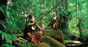 Tenue traditionnelle de chasse de la tribu locale Iban