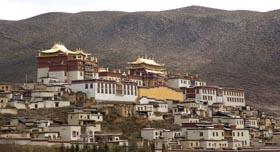 Chine Yunnan shangri la monastere bouddhiste