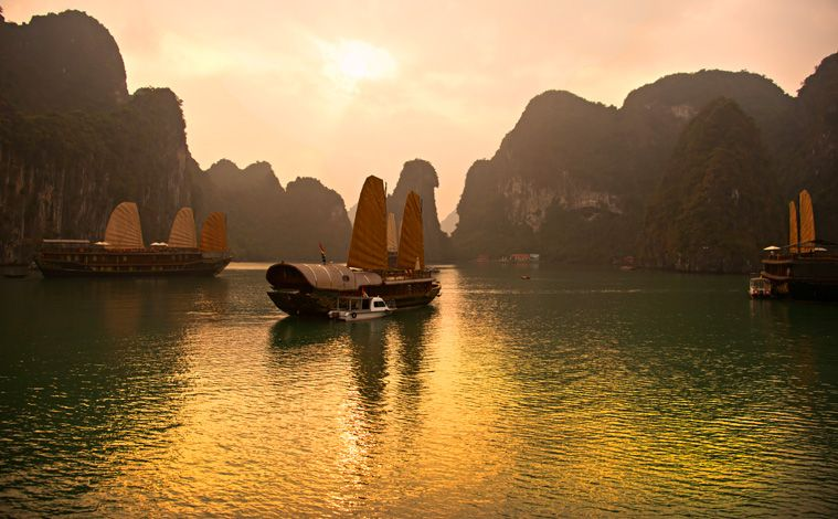 coucher-soleil-baie-halong