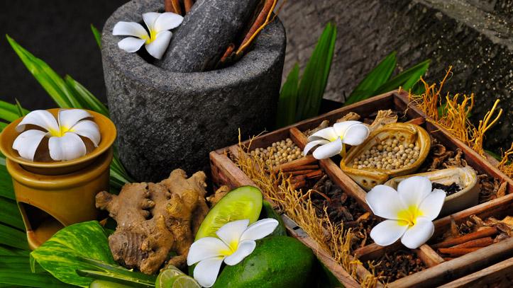 Fleurs indonésie blanches