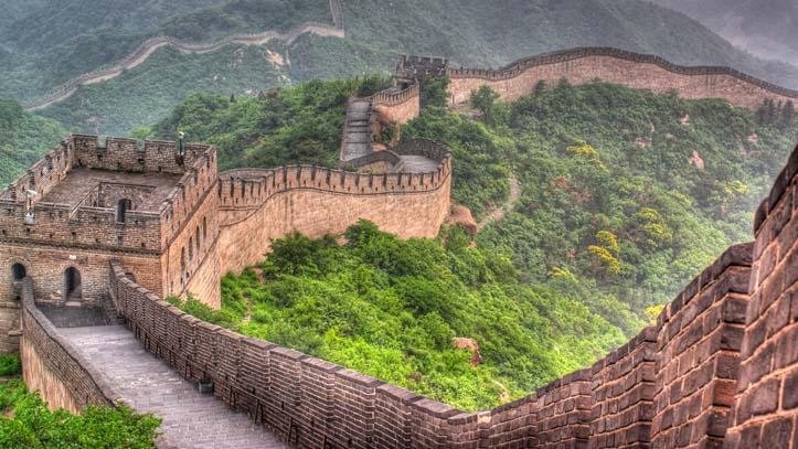 grande muraille de chine embrumee