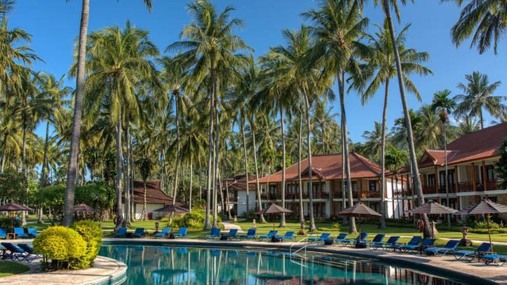 Holiday resort Lombok piscine palmier