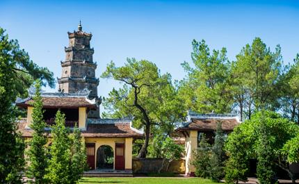 hue-temple-vietnam