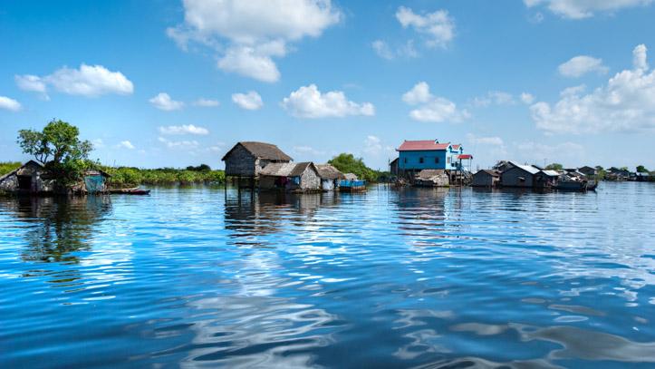 Les fameuses maisons sur pilotis du lac Tonlé Sap, au Cambodge !