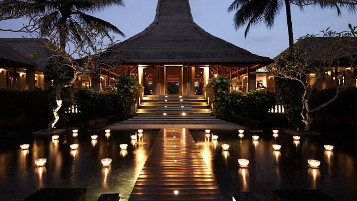 Maya Ubud entrée hotel