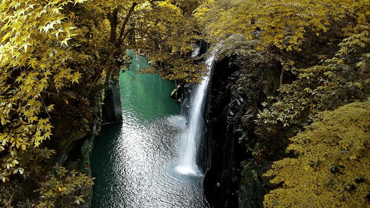 miyazaki-gorges-takachiho-cascades