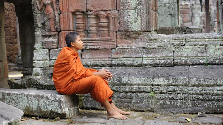 moine bouddhiste temple banteay cambodge