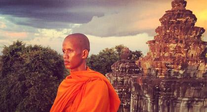 Moine à Angkor, Cambodge