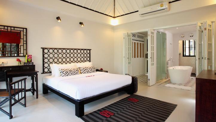 room moracea khao lak