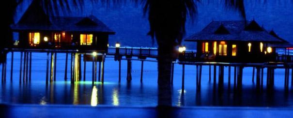 Les chambres sur piloti du Pangkor Laut Resort