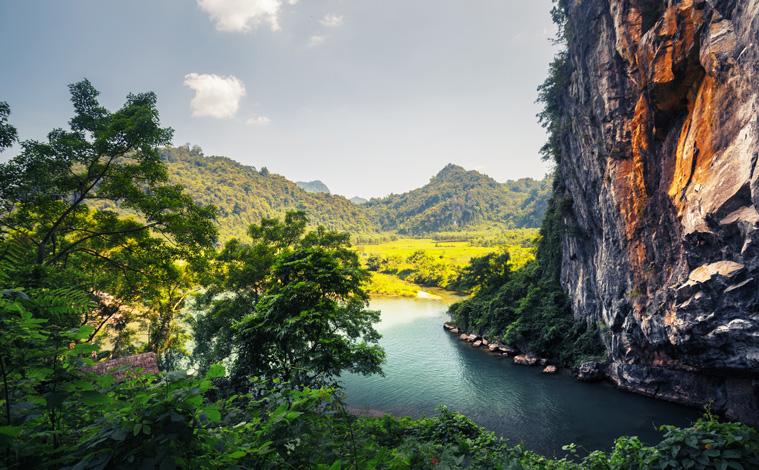phong-nha-national-park-vietnam-slide