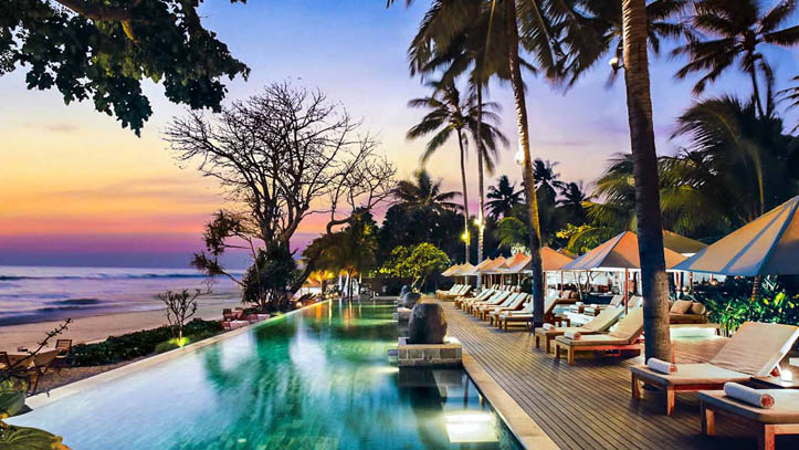 Qunci Villas piscine coucher soleil