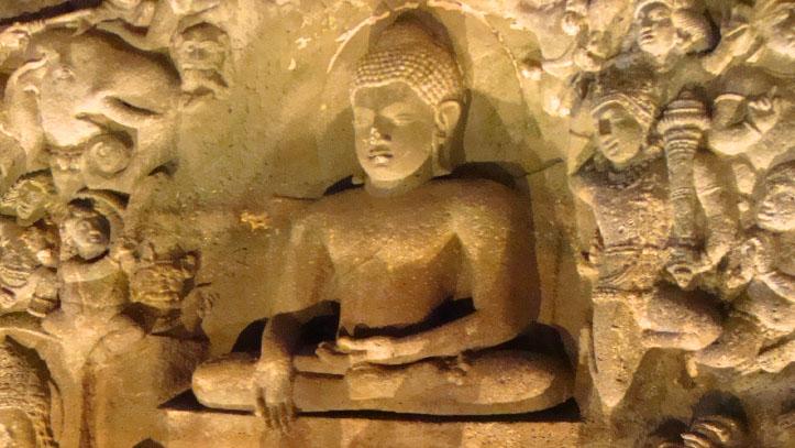 Sculpture grotte Ajanta Inde