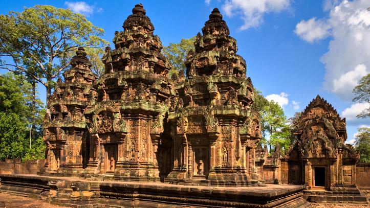Le temple de Banteay Srei, qui date du Xeme siècle, étonnamment bien conservé !