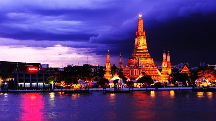 wat arun sunset thailande