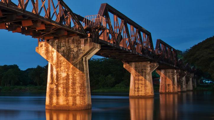La rivière Kwai et son ancien pont ferrovière