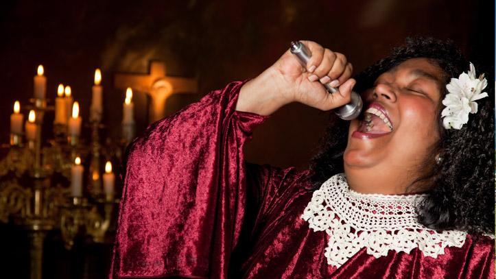 Harlem Gospel Femme Chant Micro