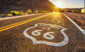 Ouest route 66 coucher de soleil