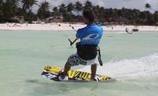 Séjour kitesurf INITIATION à Zanzibar sur Paje Beach